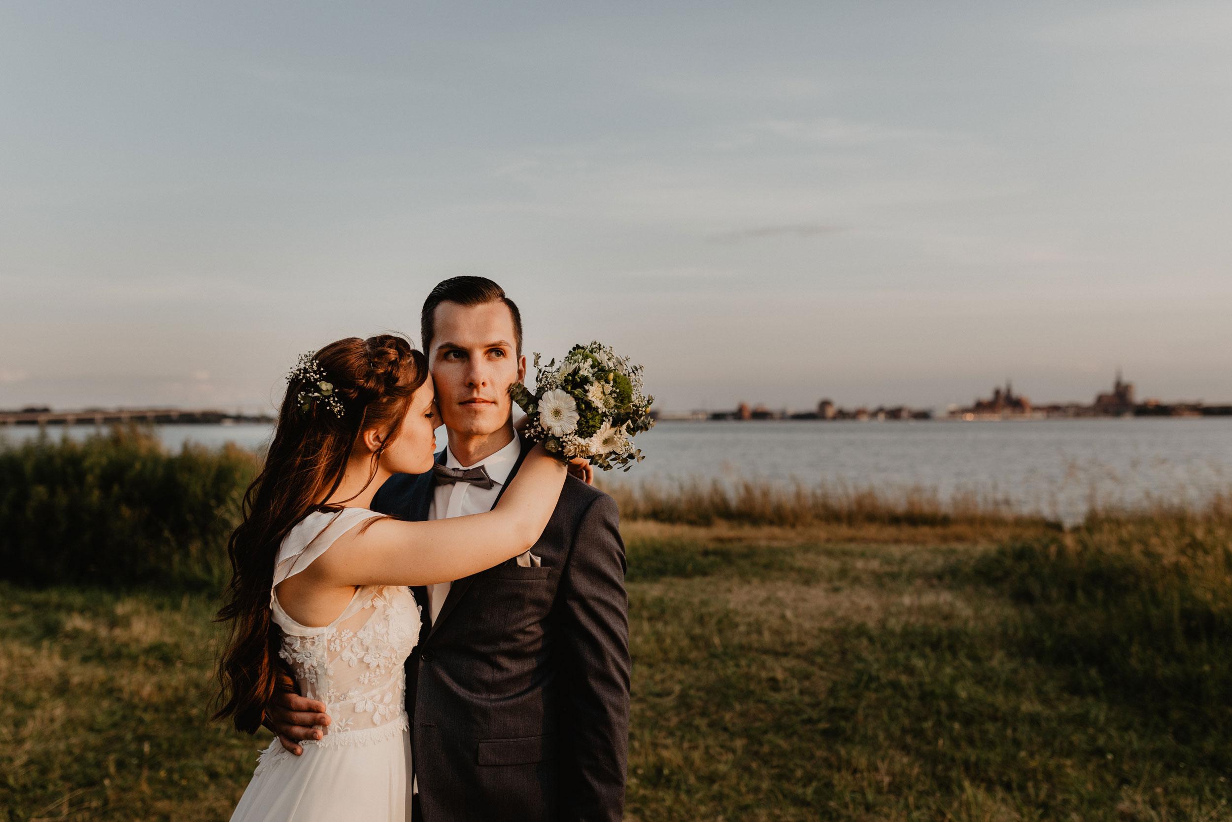Braut mit Brautstrauß - Hochzeitsfotos im Palmengarten Frankfurt