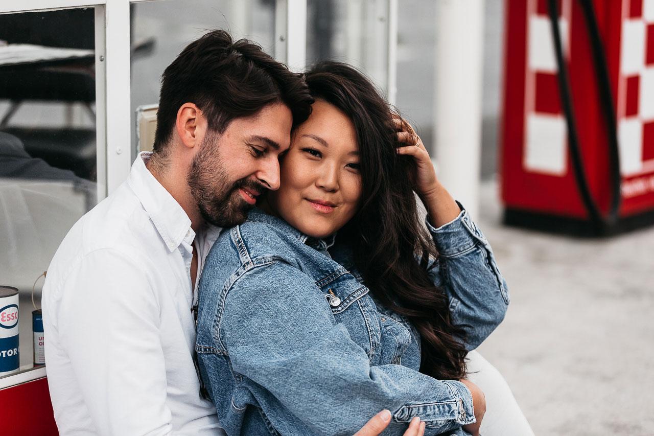 Portrait eines Paares an der Alten Tankstelle Frankfurt